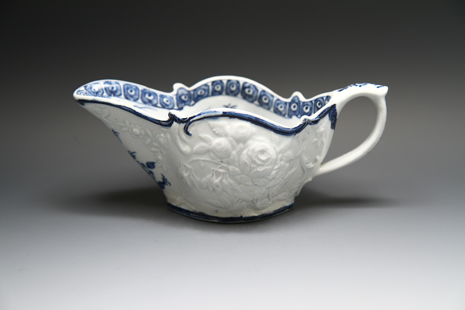 1089 - A good Bow sauceboat of low shape c 1763-5