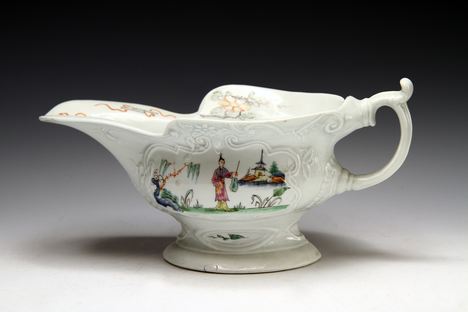 1031 - A fine Worcester silver shaped sauceboat, c 1755